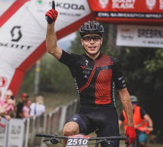 Tytuł Mistrza Polski w Maratonie MTB w rękach Filipa Helty.